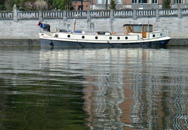 LIBERTY (GB) amarré quai Régiment Commando à Namur