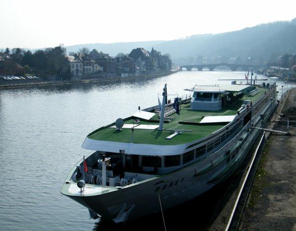 MONET (F)  110,00m. - 11,40m. - 2 ponts - 78 cabines - 154 passagers - CroisiEurope  (1999)