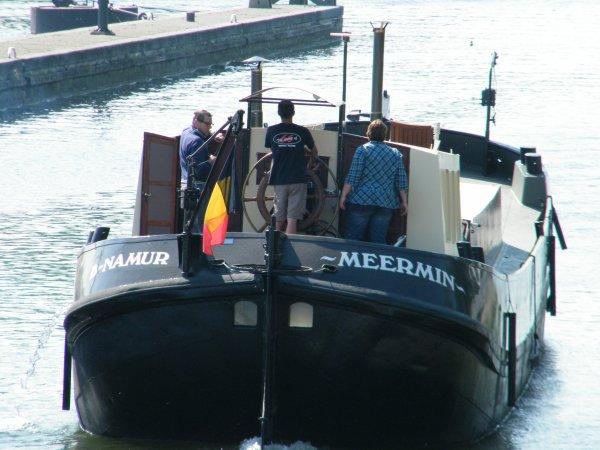 MEERMIN (B) Namur  - Tjalk typique hollandais - Habitat et Croisière mosane ...