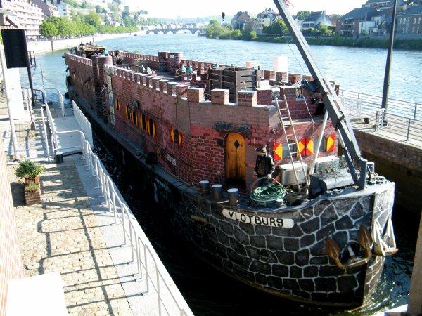 VLOTBURG (NL) Alkmaar - Lenny Vries et son musée itinérant...