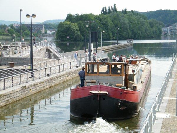 INCREDULE II (B) Namur - spits de 1910 - 39,34 m. x 5,05 m.