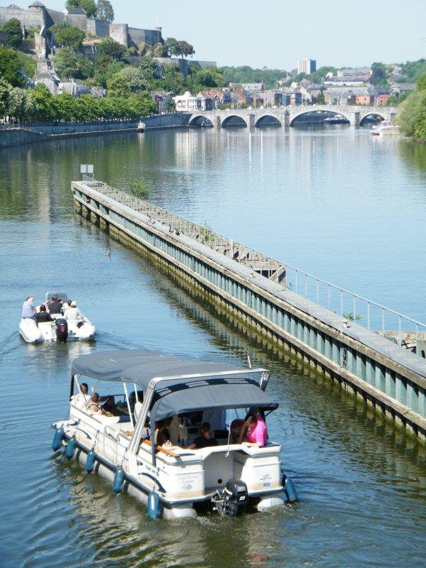 CATAMOSAN 1      Namur - Port d'Amée - bateaux à louer sans permis.