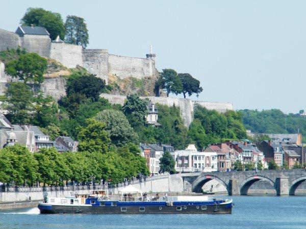 VALSE LENTE (B) Namur  (cabines d'hôtes)