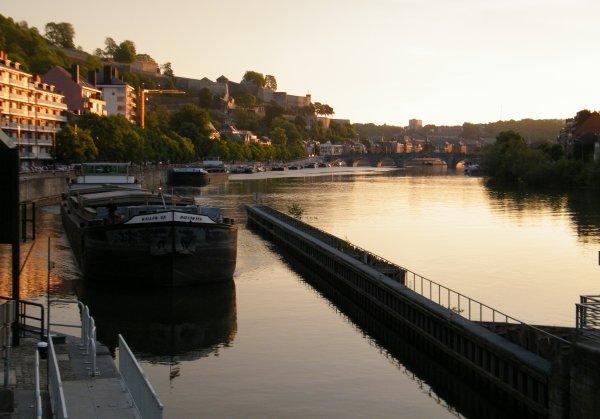 Le jour se lève sur l'entrée de la Haute Meuse