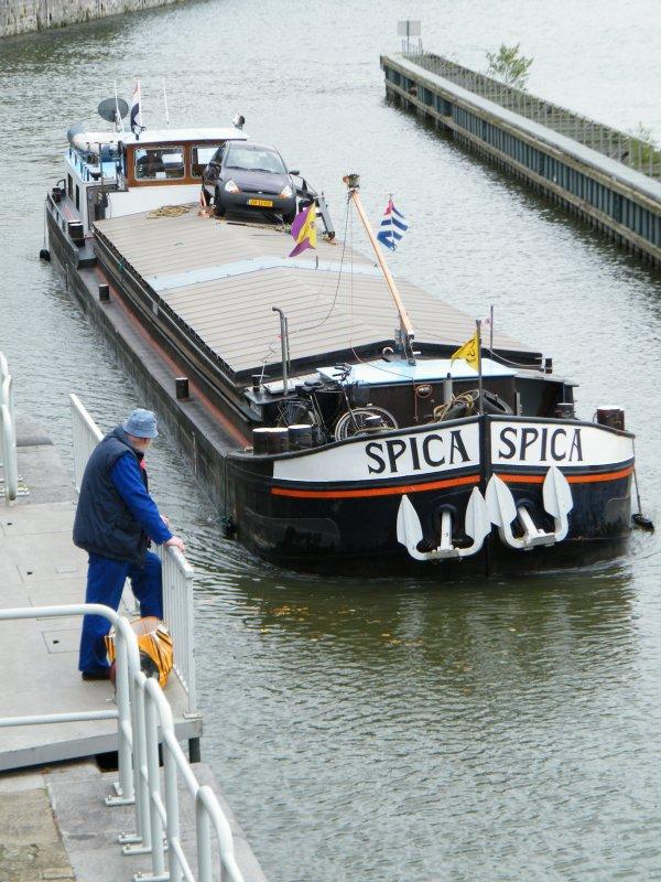 SPICA (NL)  un spits Mirelbeke 1965 à destination de la région lyonnaise et Fin de vacances pour KARINA M. (NL), MONT TRESOR (NL) & DENIA (CH)