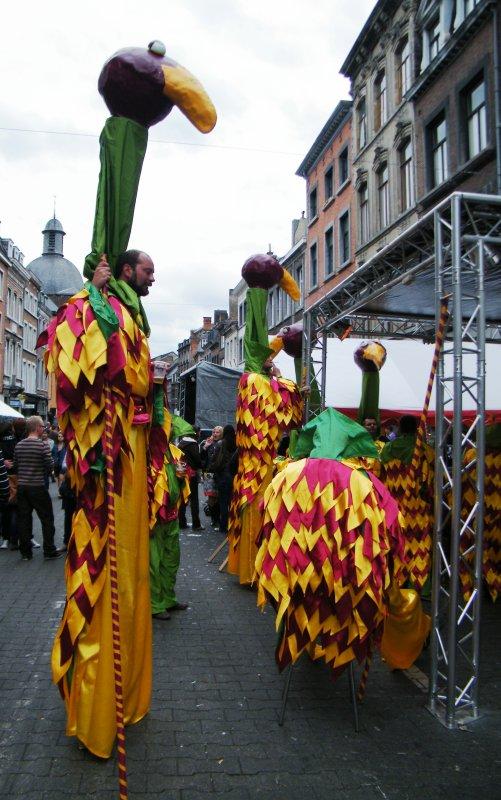 DE GEBROEDERS 1912 (GB) & LEBATEAU (B) arborent les couleurs de la Wallonie au confluent Sambre & Meuse