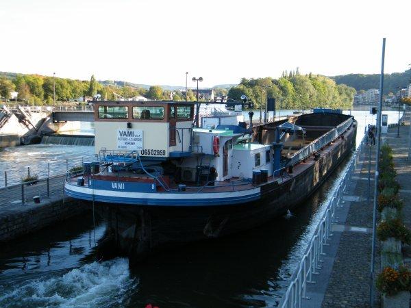 LOANA CALISTA (B), P79 & batardeau (SPW), SAPHIR (B), Mme Closterman sur son célèbre pédalo, annexe du Joan (B), Mordicus (B) Namur, VAMI (B), KARIN (B), échantillon de ce vendredi 14 octobre 2011.