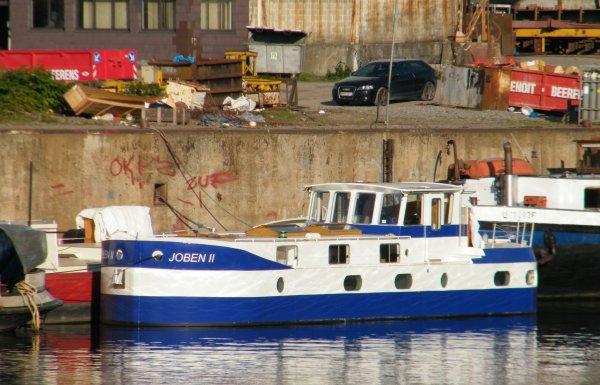 """Chantier naval """"Sambre & Meuse"""" à Beez  (Euh... """"Meuse et Sambre""""!)  Merci Fluvial...On ne se relit jamais assez!"""