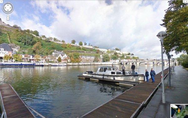 Google Street View est lancé en Belgique, l'occasion d'une promenade virtuelle le long de nos voies navigables. La Meuse namuroise par exemple ;)