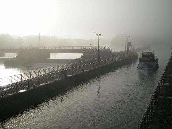 MY WAY (B), MELISSA (B), ... Eau limpide mais faible débit sur la Haute Meuse!  Le sud de la Belgique dans FLUPPY...