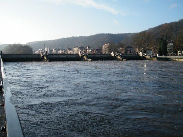 """TOMI UNGERER (110,00 x 11,00 m.), le dernier né du chantier naval """"Meuse & Sambre"""" pour CroisiEurope attend sa mise à l'eau prévue pour les prochains jours..."""