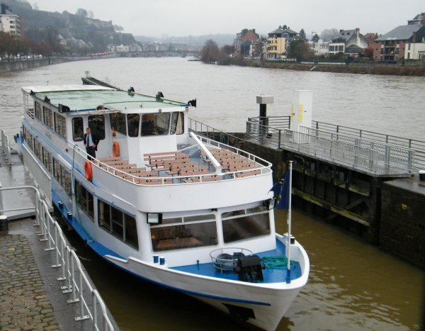 "QUEENSLAND (F) Douai, M.S. ""Le SAX"" (B) Dinant, PRO-CONTRA (NL) Terneuzen"