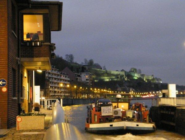KINEVY (B) Charleroi , 18è. de l'année, avalant Haute Meuse ce 12 janvier par 508 m³/sec.