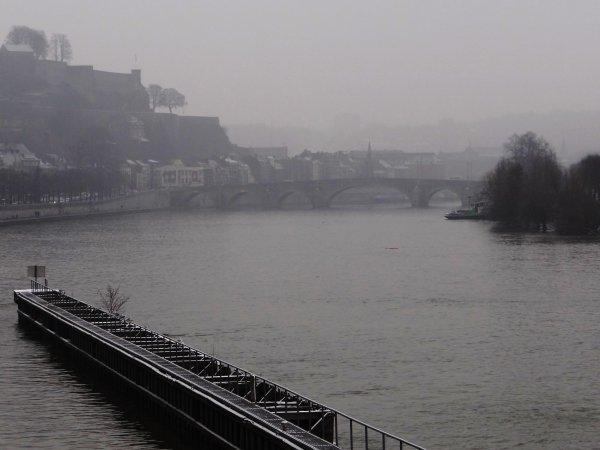 Nouveau sur la Haute Meuse, AUDAX (B) échappe au mouvement de grève nationale... Sur la Meuse namuroise, les écluses d'Andenne-Seilles (bk.63), de Grands-Malades (bk.48) et d'Hastière (bk.4) sont à l'arrêt!