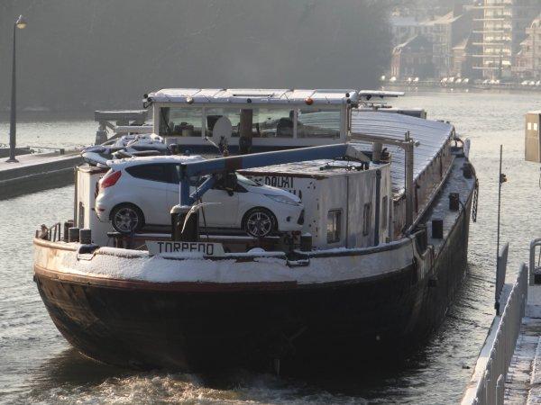 RELEVES ANNUEL & MENSUEL DES PASSAGES DE BATEAUX A L'ECLUSE DE LA PLANTE - Comparaison 2001< > 2012 - Bienvenue à l'équipage duTORPEDO (F) sur la Haute Meuse - JAGUAR (B) & SCALDIS (B) au chantier naval à Beez