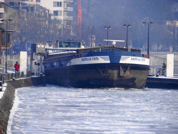 Situation des glaces du 09 février 2012 - Hasta La Vista (B) brise la glace...