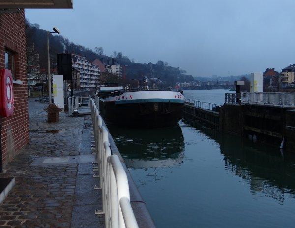Situation des glaces du 14 février 2012 - KARIN (B) à destination de Givet après un repos forcé à Namur