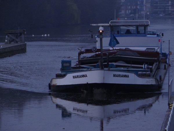 MARIANNA (B), VAMI (B), MALDEN (B), HENDRICUS (NL), SAPHIR (B), parmi les sassées de la pause matinale...
