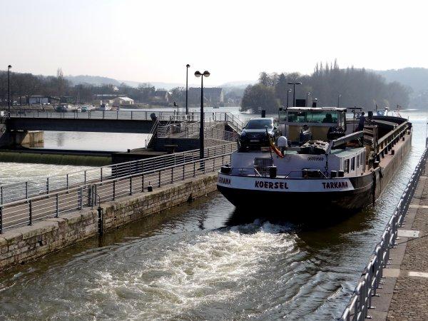LUXOR (B), TARKANA (B), PHIANSARO (NL) parmi les 12 bateaux de ce 21 mars 2012.