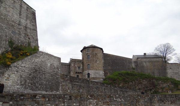 ESMI (B) Jambes - amarré quai Régiment Commando à Namur. - Le pont des Ardennes, ½uvre d'avant-garde (L'Avenir.net)