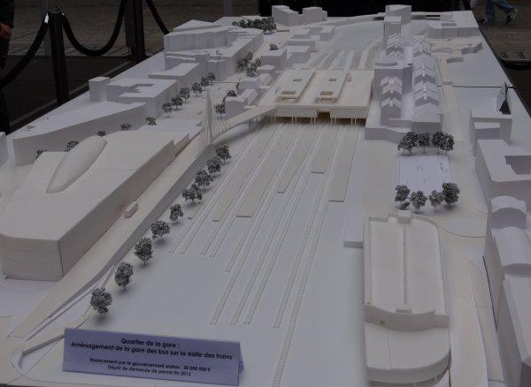 Namur et ses projets - Nouvelle gare des bus, Site de l'Atelier réhabilité avec audace (face à l'écluse des Grands-Malades), ...