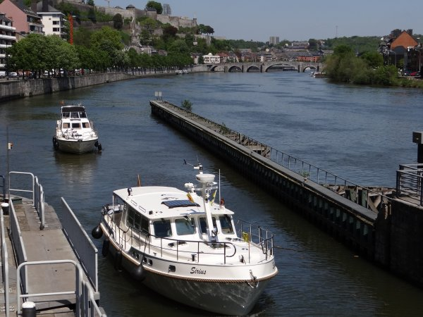 CARPE DIEM (NL), VROUWE JOBJE (NL), SIRIUS (B), JE RASE (NL), CHARLOTTE ANNE (GB) barge hollandaise de 1907.