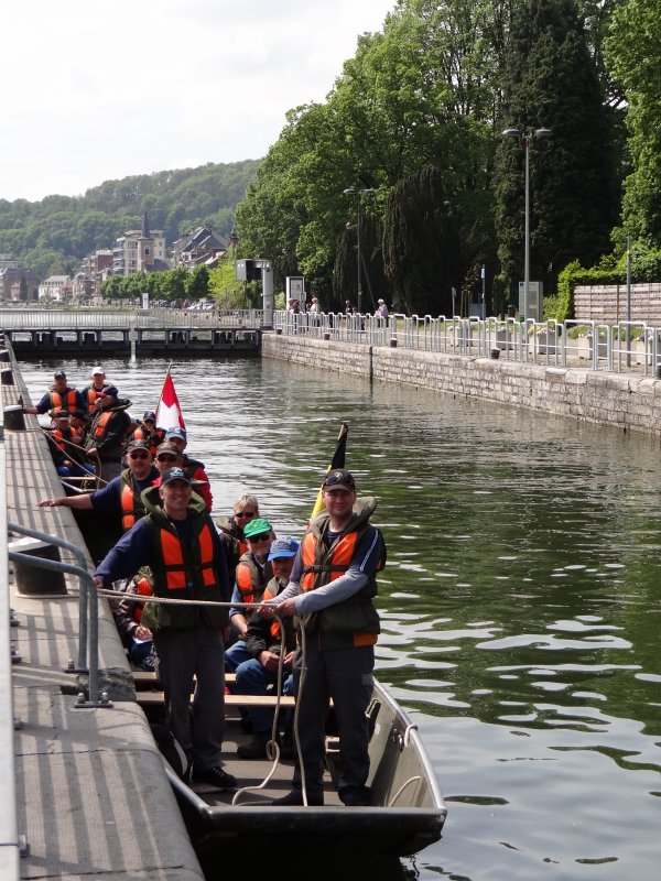 """Périple entre Charleville (F) et Bruges (B) à bord des nacelles """"M5927 & M5781"""" (CH) pour ces deux équipages bien sympathiques, de la Sté des Pontonniers de Bex  ;)"""