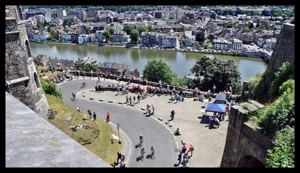 """RELEVES MENSUELS DES PASSAGES DE BATEAUX A L'ECLUSE DE LA PLANTE - Comparaison 06/2001 < > 06/2012   - Le """"bia-bouquet"""" du Tour de France par Christian Delwiche..."""
