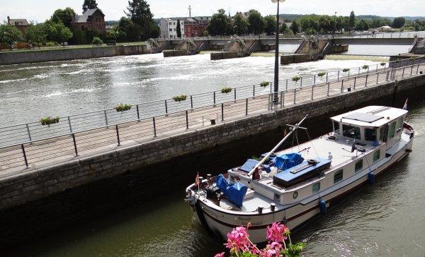 """Le régulier """"Namur-Wépion-Namur"""" (Meuse-Ardennes) annulé pour cause de panne entre 14h30 et 17h00, ... CARPE DIEM , D'N ERREL & NOOÏT VOLMAAKT (NL),  SABLE (GB),  SOLITAIRE (SCO), DC MOSA 1 (NL), SHALOM & SANTHAES (NL), HELLBOY (B), SHANNON (F), ESMI (B), SAPHIR (B), ..."""