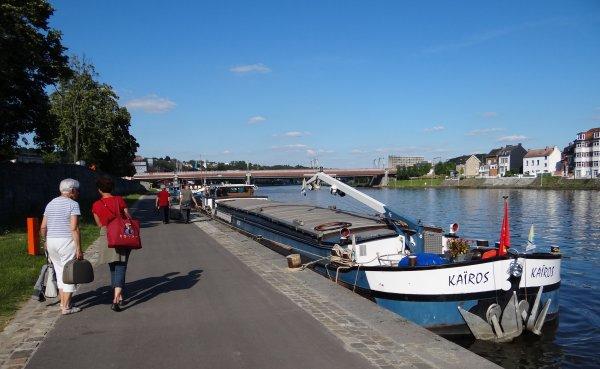 Le KAIROS (F), Marine et Gil Bouchard accueillent leurs hôtes nantais à Namur.
