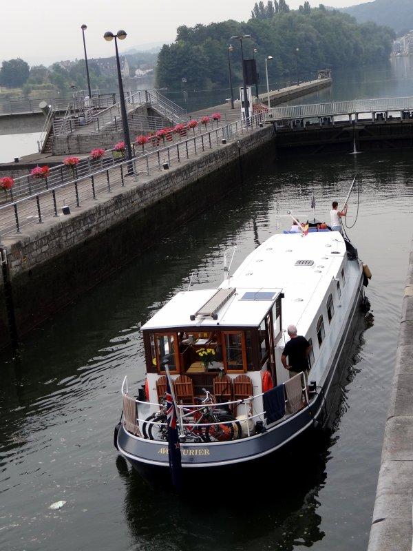 Sympathiques retrouvailles sur la Haute Meuse à bord du KEALE (B)  ;)  - Suite 21/08:  CHRISTINA (B), ADVONTUUR (NL), KAIROS (B), AVONTURIER (GB), SHASA (SE), MARIANNE (NL), REVE (D), ADRIA (D) ...