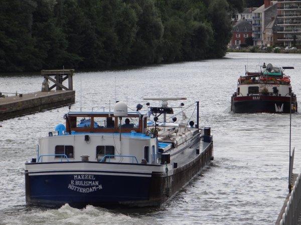 Extrait du trafic du dernier samedi d'août 2012 (2è.partie)  RAFF (NL), MAZZEL (NL), à destination de Salaise (Lyon) avec de l'engrais