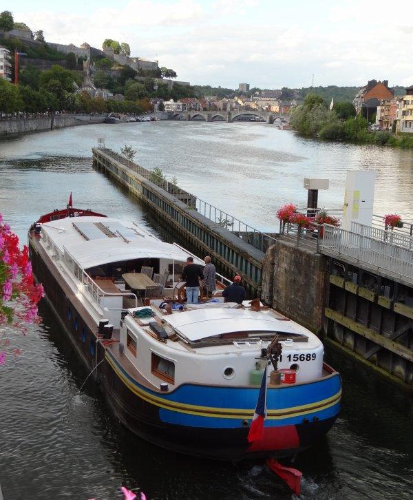 """Extrait du trafic du dernier samedi d'août 2012 (3è.partie)TRAMP (NL), CHATEAU MARGAUX (B), Les Kayaks """"Plasmor-Belouga"""" de Jean-Luc et Philippe, TAGE (F)"""