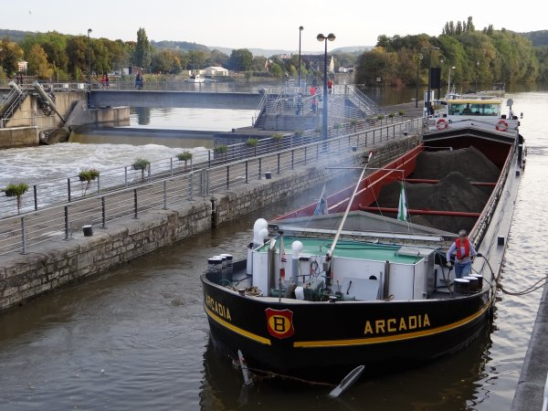 Parmi les 22 bateaux de ce 9 octobre 2012, les avalants; MS ELISABETH (L), ARCADIA (B), SAPHIR (B), MARCARI (B), ....