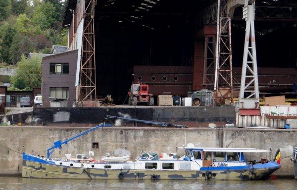 """BEEZ -  Chantier naval  """"Meuse & Sambre"""" et environs ...          Le Port Autonome de Namur."""