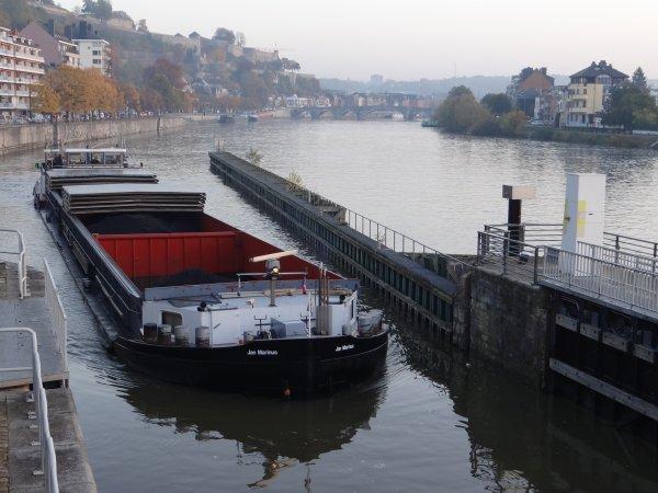RAPPEL !!!   > 2,50m., c'est l'enfoncement maximal autorisé sur la Haute-Meuse!   Extrait du trafic de la pause matinale; MALDEN (B), JAN MARINUS (D), ST.GOAR (B), POUCHET (B), ...
