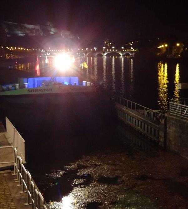 Dernière semaine de novembre... Le SABRINA (B) en 1ère. sur les 11 bateaux de ce lundi 26  -  L'histoire de Namur au fil de l'eau (Canal C)
