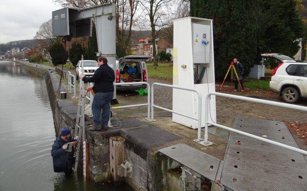 SPEED (B), AVENA (NL), NEOPHYTE (B), ... extraits de la pause matinale du 29 novembre 2012.   Nouvelle échelle limnimétrique pour le contrôle de notre niveau amont (alt.80,08).