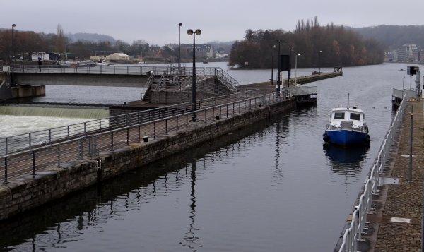 """SAINT-NICOLAS arrive à Namur sur le bateau """"Vif-Argent"""" ce samedi 1er décembre ...  - PAROLA (B), RISORIUS III (B), SELAUMI (B), ..."""