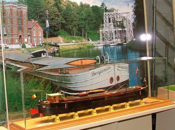 Jacques Lachapelle, passionné et spécialiste de maquettes de bateaux, enfin sur le web !