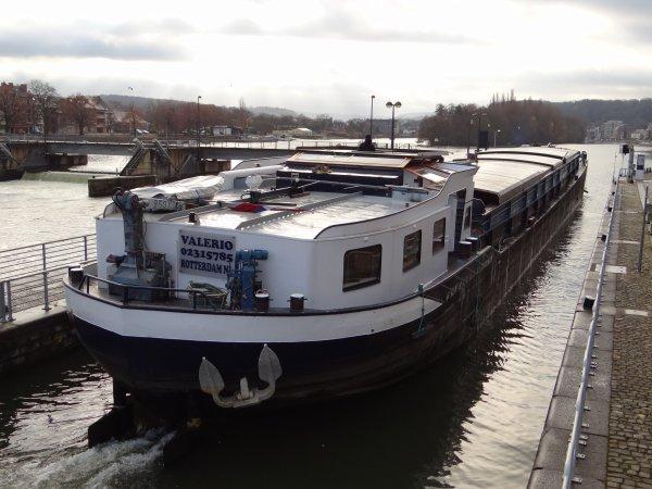 VALERIO (NL) et ODRA (B) parmi les 13 bateaux du 4 décembre 2012.