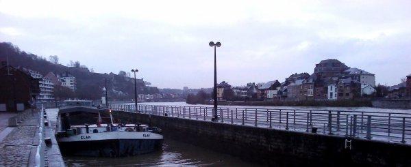 STATISTIQUES HAUTE-MEUSE 2012, la plus mauvaise année! (Trafic relevé à La Plante) - Les relevés annuels et mensuels entre 2001 & 2012. -  ELAN (NL), 1er bateau de l'année 2013 - NAUTIEK (B) et WELLAND (B) sont libérés des eaux vives de la Haute-Meuse.