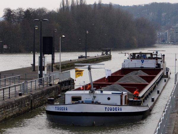 Le retour du Meuse-Ardennes annonce la prochaine saison des croisières touristiques sur les Meuse et Sambre namuroises   ;)  Suivi par TORDERA et HELLBOY parmi les 5 bateaux du jour.