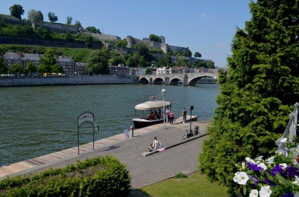 Namur, balade estivale entre deux ports, deux biefs...  ;)