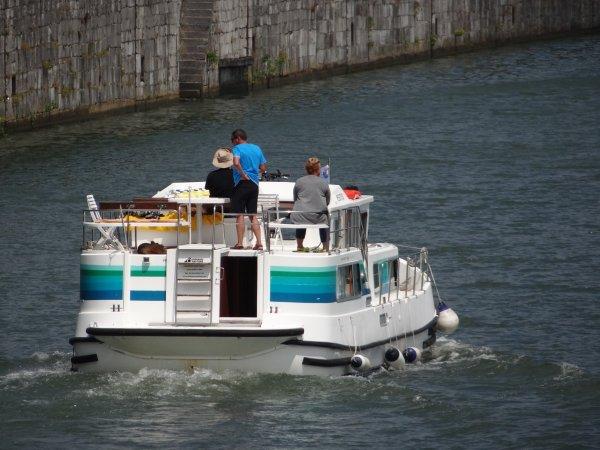 Extrait du trafic plaisance à la veille de la fête nationale... (suite) -  Parmi les 45 bateaux de la journée.