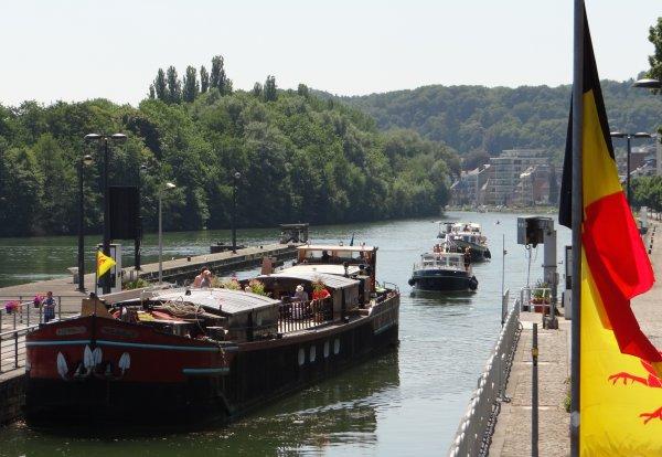 Extrait du trafic mosan en ce 21 juillet 2013 (suite). - 32 bateaux.