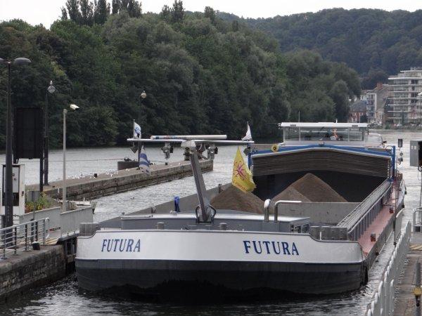 De la Mer du Nord vers la Vallée de la Meuse pour le VICTOR HUGO (F) de CroisiEurope