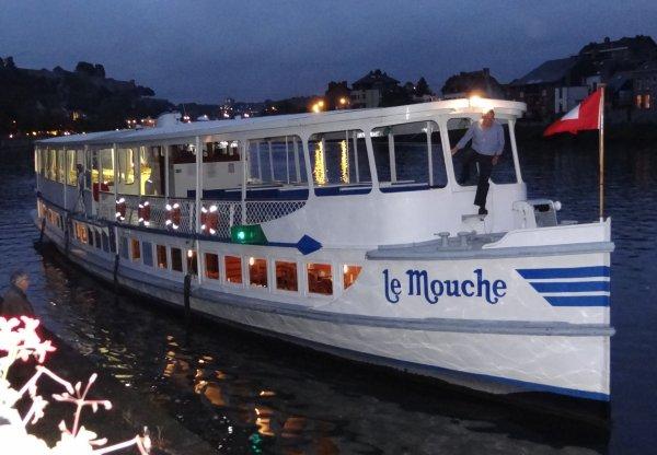 Le Mouche libéré de la Haute-Meuse après un passage autorisé en dehors des heures pour ramener ses passagers à Namur - L'Allemagne invitée d'honneur des fêtes de Wallonie, tout un symbole pour Benjamin Briot (dhnet)