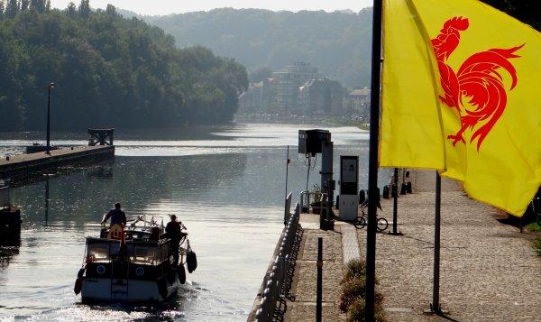 BAMA II et MARMO II parmi les 5 bateaux de la pause matinale (6/14) en ce jour de fête de la Fédération Wallonie-Bruxelles