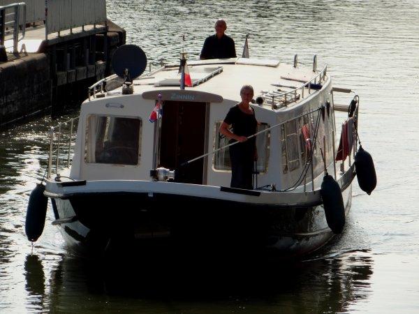 3 bateaux en cette 1ère pause matinale de la semaine!